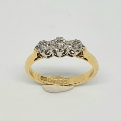 Pre Owned 18ct 3 Stone Diamond Ring ZAL220