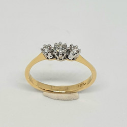 Pre Owned 18ct 3 Stone Diamond Ring ZAL438