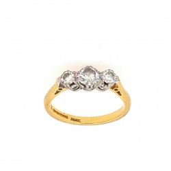 Pre Owned 18ct 3 Stone Diamond Ring ZK568