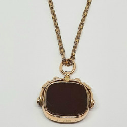 Pre Owned 9ct Fob Pendant ZE397