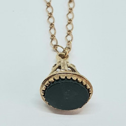 Pre Owned 9ct Fob Pendant ZH182