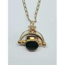 Pre Owned 9ct Fob Pendant ZH619
