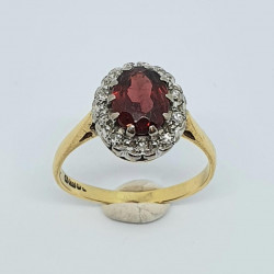 Pre Owned 18ct Garnet and Diamond Cluster Ring ZH695