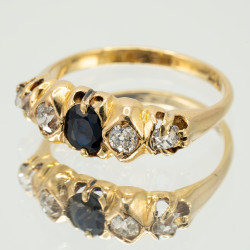 Pre Owned 18ct Diamond and Sapphire Ring ZK80