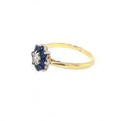 Pre Owned 18ct Sapphire and Diamond Cluster Ring ZL9
